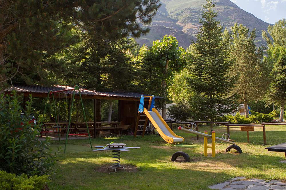 Zona de jocs infantils Camping Serra