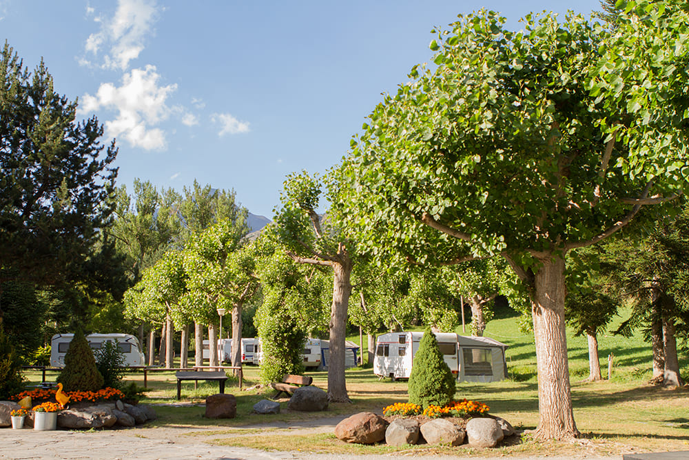 Camping Serra amb caravanes